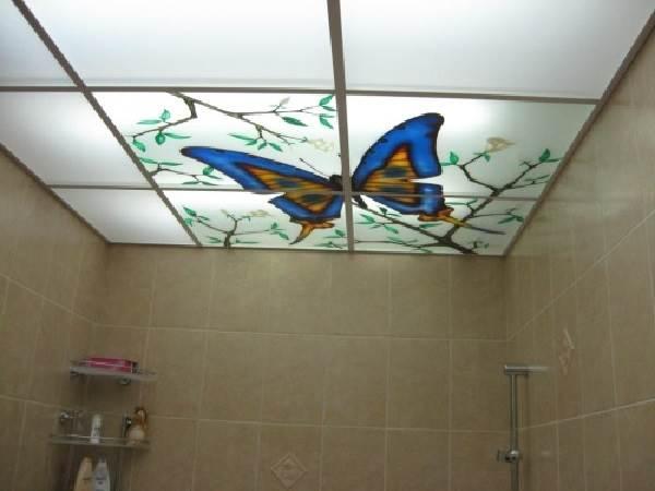 Какой-потолок-сделать-в-ванной-2