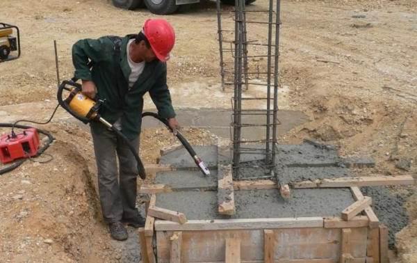 Вибратор-для-бетона-Описание-характеристики-применение-и-цена-вибратора-5