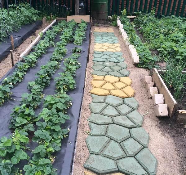 Как-сделать-садовые-дорожки-12