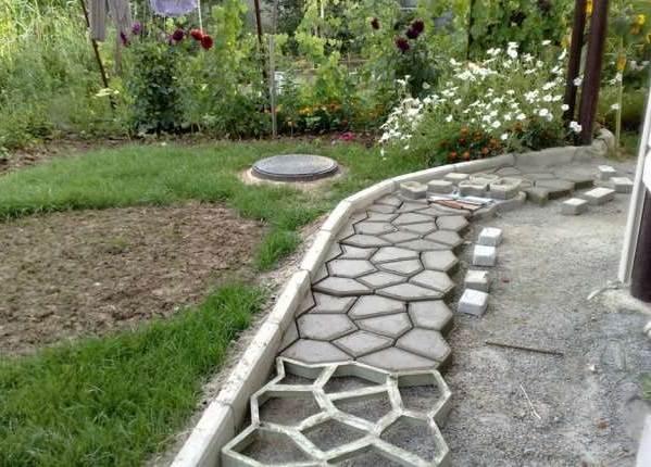 Как-сделать-садовые-дорожки-13