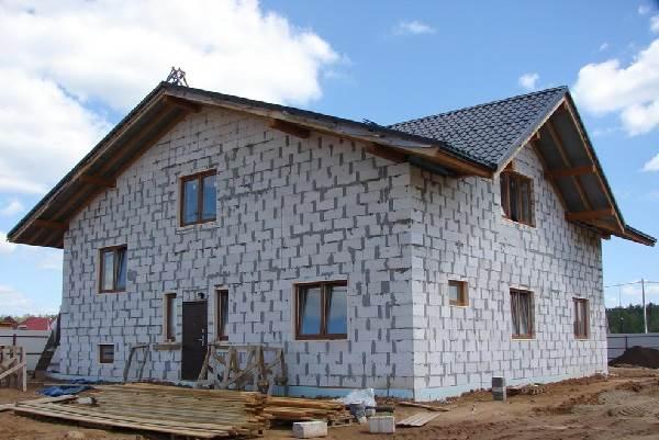 Дом-из-пеноблока-плюсы-и-минусы-3