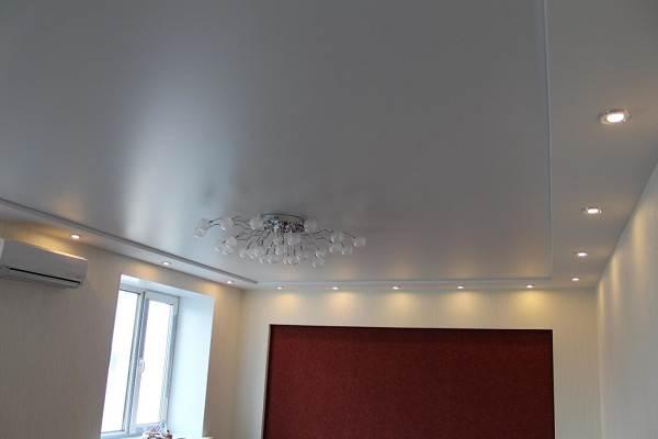 Сатиновый-натяжной-потолок-Описание-особенности-виды-и-цена-сатинового-потолка-1