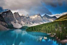 moraine-lake-banff-national-park-canada