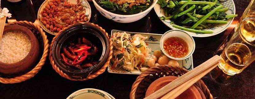 Cơm niêu món ăn trưa ở Vũng Tàu