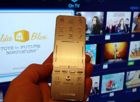 SmartHub-Photo2-Remote