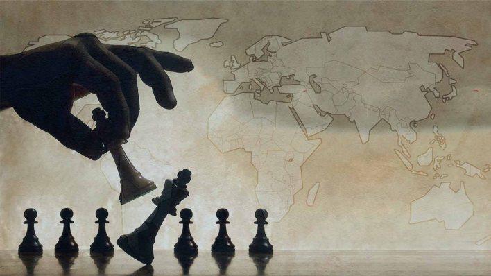 أهمية-الخصائص-الإنسانية-في-استمرار-الأنظمة-السياسية