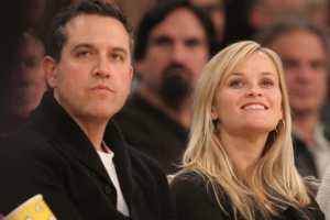Reese Witherspoon And Husband Jim Toth Arrested And Jailed For DUI Incident  2