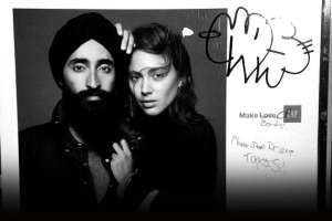 Ad With Sikh Model Defaced With Racist Graffiti, Draws Awesome Response From GAP 2