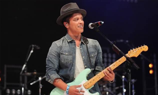 Billboard's 'Artist of the Year' Names Bruno Mars As 2013's Top Artist