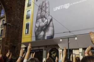 THE HUNGER GAMES: MOCKINGJAY - PART 2 | Three Finger Salute #UNITE Debuts Across the World 28