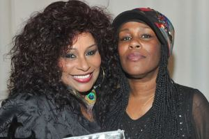 Chaka Khan And sister Volunteers Themselves For Drug Rehab 1