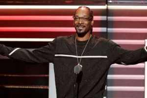 Snoop Dogg Takes Home Biggest Honor From The BET Hip-Hop Awards