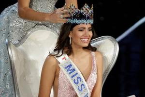 Puerto Rico's Stephanie Del Valle Wins The Crown For Miss World 2016
