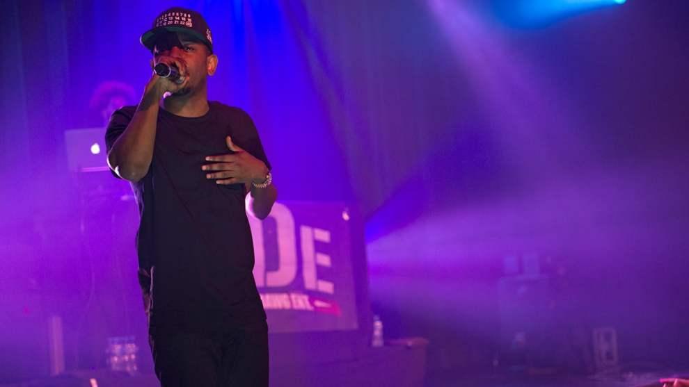 Kendrick Lamar gifts fan