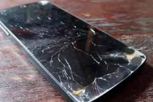 broken-phone-screen