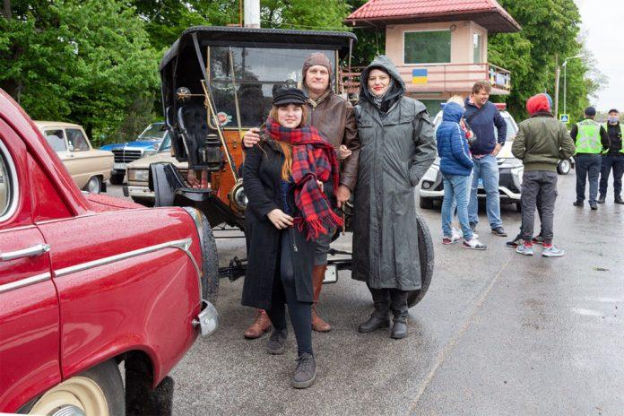 Учасники відкриття автомобільного сезону 2020 року клубу ЗАЗ Козак