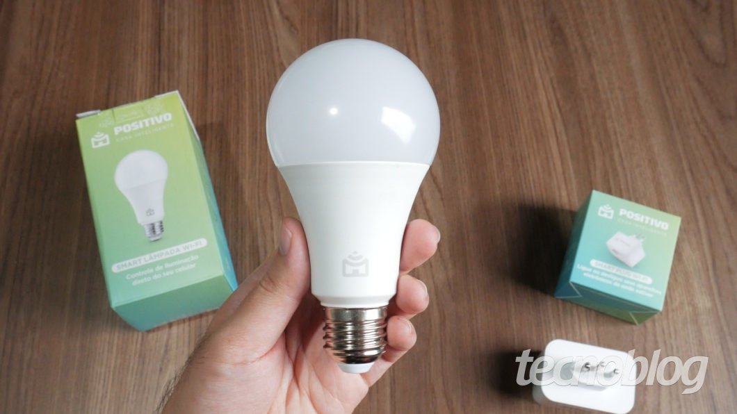 Positivo Smart Lâmpada e Smart Plug - Review