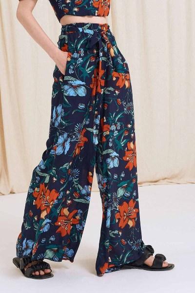Παντελόνα με ζώνη και λάστιχο floral μπλε σκούρο