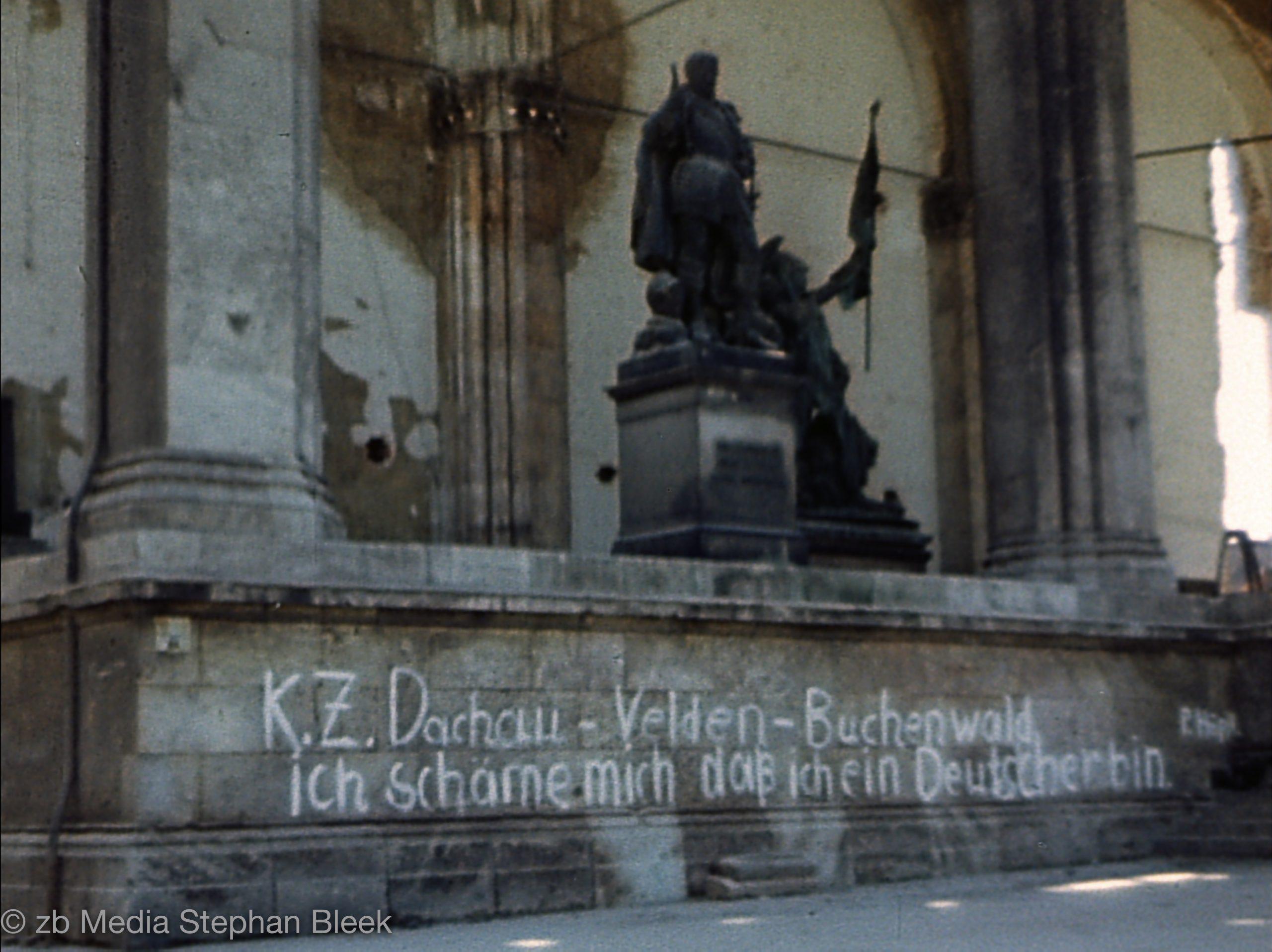 Feldherrnhalle am Odeonsplatz in München im Mai 1945