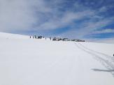 Superjeeps auf dem schneebedeckten Gletscher