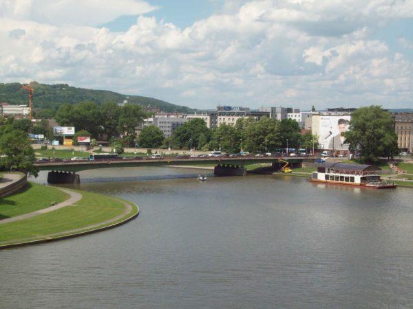 A wdawnej stolicy Polski... Lewandowski zakażdym krzakiem!