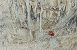 Magnifique vidéo avec Joe Kinder et Francesco Piras à Cala Gonone, Italie. Joe et Francesco explorent les falaises calcaire.