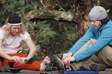 """Vidéo assez drôle qui met en scène un nouveau sport : le """"Downhill Clilmbing"""" (comprenez escalade en descente)."""