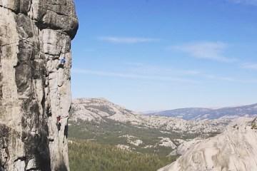 """Benjamin Ditto réalise la première ascension de """"High Times"""", un 8a à Tuolumne Meadows, Yosemite."""