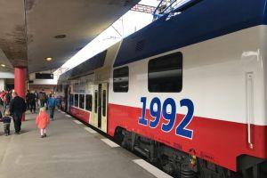Jednotka CityElefant připomínající 25 let Pražské integrované dopravy. Foto: Zdopravy.cz/Josef Petrák