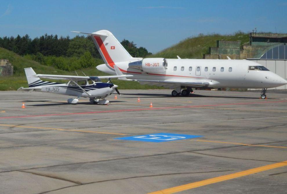 Budějovické letiště využívají zatím jen malá soukromá letadla. Autor: Zdopravy.cz/Jan Šindelář