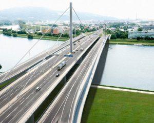 Postranní bypassy ppomohou starému Voestbrücke, vizualizace. Zdroj: ASFINAG