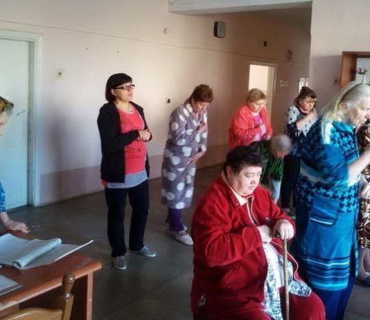 Для хворих Тернопільської міської лікарні №2 провели Хресну дорогу