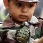ребенок с гранатой