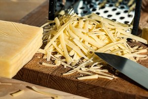 grated-cheese-961152_640