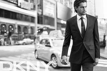 DKNYのモデルをしたディランリーダー