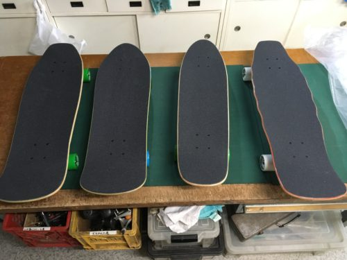 choosing CruisingDog-Town Skateboard at Be-in-works