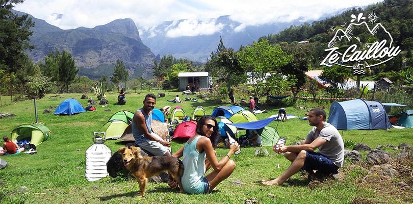 Emplacement de camping à Aurère au coeur du cirque de Mafate à la Réunion
