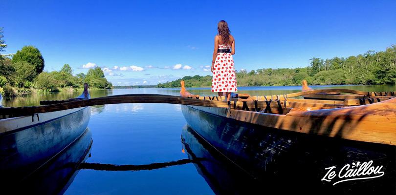 Paddle et pirogues au lac de Mimizan près du jardin fleuri avec son van aménagé