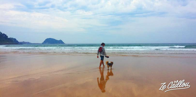 Zarautz beach, known for surf, on the spanish north coast, travel blog Ze Caillou