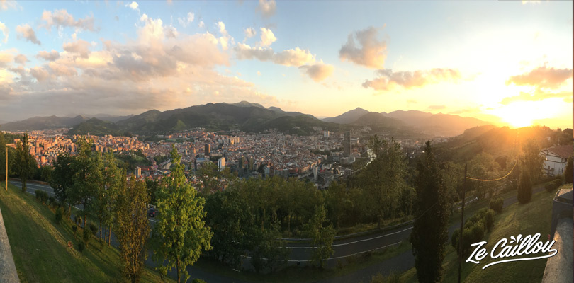 Vue panoramique de Bilbao depuis le funiculaire de Bilbao dans le nord de l'Espagne