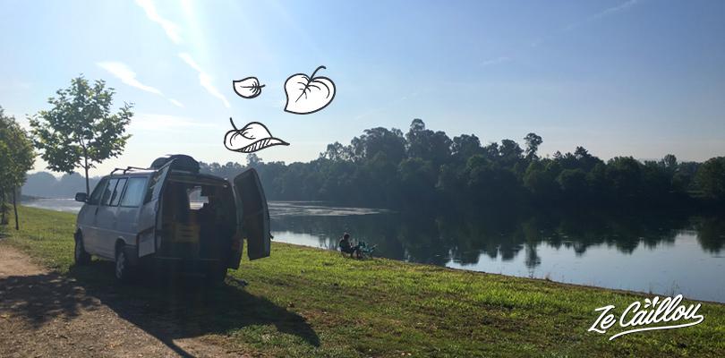 Spot pour dormir avec son van au Portugal au bord de la rivière de Prado