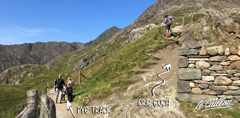 Prendre à droite sur le chemin Pyg track pour récupérer le sentier Crib Goch pour monter au mont Snowdon