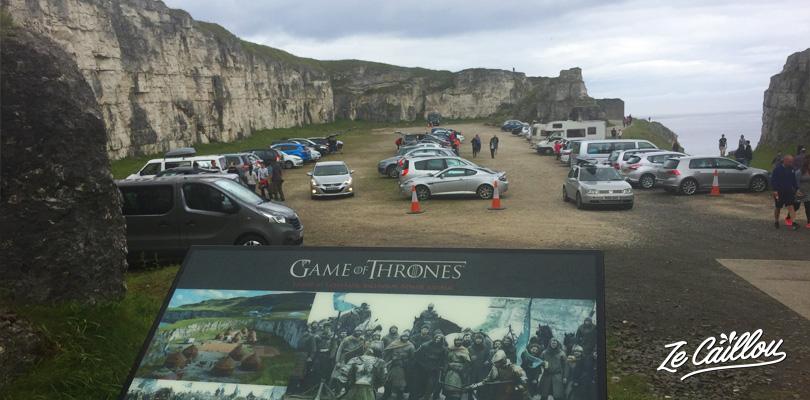 Lieu de tournage de la série Game of Throne à la baie Larrybane sur la côte de la Chaussée des Géants