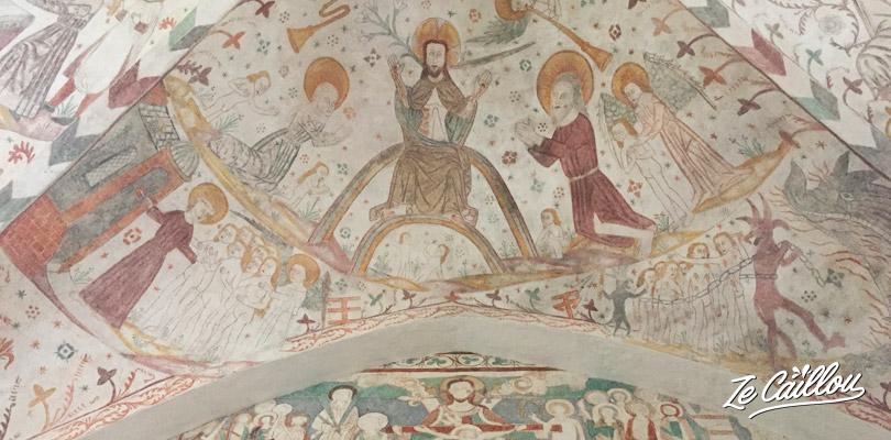 Les fresques médiévales naïves présentes dans les églises de Mon au Danemark