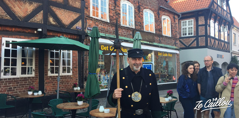 Free guided tour in Ribe with a guy disguise as an former night watcher