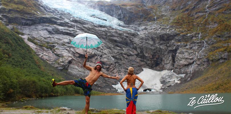 Admirer le glacier de Boyabreen dans le parc de Jostedalbreen en Norvège.