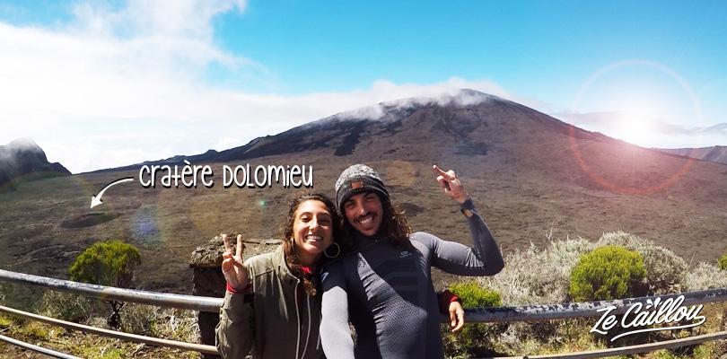 Voir le volcan Piton de la Fournaise à la Réunion et marcher vers le cratère Dolomieu.