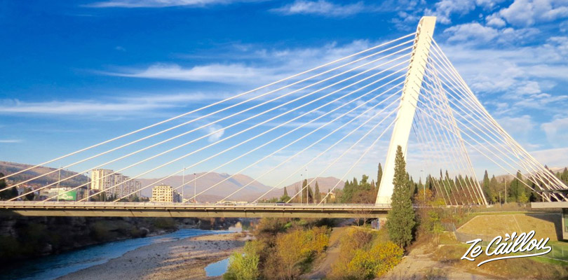 Le pont Millénium dans la capitale Monténégrine, Podgorica.