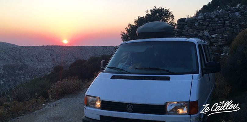 Superbe coucher de soleil lors de notre nuit en bas du Mont Zeus sur Naxos avec notre van.