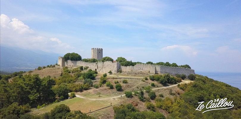Le Château de Platamonas en Thessalie et sa superbe vue sur le Mont Olympe.